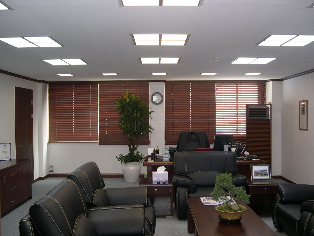 GOFLLtm-office-2.jpg